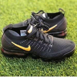 🌸MAKE YOUR OFFER🌸 Nike Air Vapormax Flyknit 2